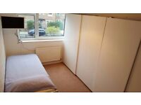 *BEAUTIFUL SINGLE ROOM IN EAST LONDON ALL INCLUDED IN THE PRICE*