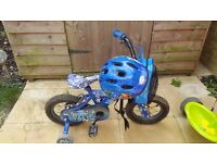3-5 years boys shark bike including helmet and stabilisers