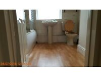 1 bedroom spacious flat - Barnwood Rd - close to buses - Ideal for professionals