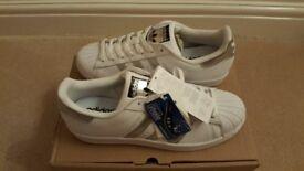 Adidas Originals Superstar Training Shoe Size 9