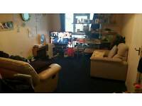 A large one bed room flat for let