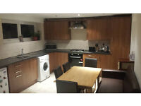 DOUBLE ROOM AVAILABLE NOW FOR RENT IN STRATFORD (CUPLES WELCOME) ALL BILLS INCLUDED