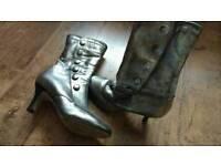 Mat silver boots