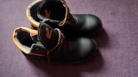 Brand new safety shoes without box, size 8,5, steel toes