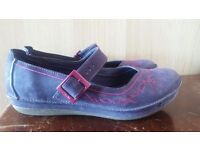 Size 3 clarks shoes