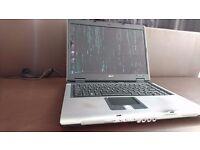 Acer Aspire 5630: 2GB RAM, 120GB HDD, Intel Core 2 Duo