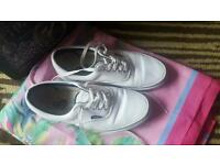 Trainners Vans Size 6.5 Uk