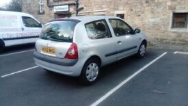2002 RENAULT CLIO 1.2 IMMACULATE CONDITION TAX SEPT 2018 MOT DECEMBER DON'T MISS IT. £495