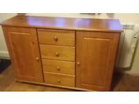dresser/sideboard/cupboard/cabinet