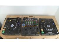 Pioneer DJM800 professional dj mixer and 2 Pioneer CDJ1000mk3s in good condition