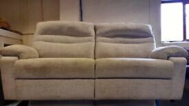 SCS FABRIC SOFA LIKE EX DISPLAY IN EXCELLENT CONDITION VERY COMFY FREE DELIVERY