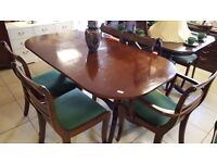 Vintage Extendable Dining table with Casters + 6 Chairs in Great Condition