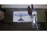 wedding party cake stand 2 cake knives and 2 plastic scoops