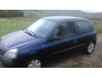 Renault Clio Manual 1.2 Low insurance low tax 10 months mot. low mileage drives perfect 07476970860