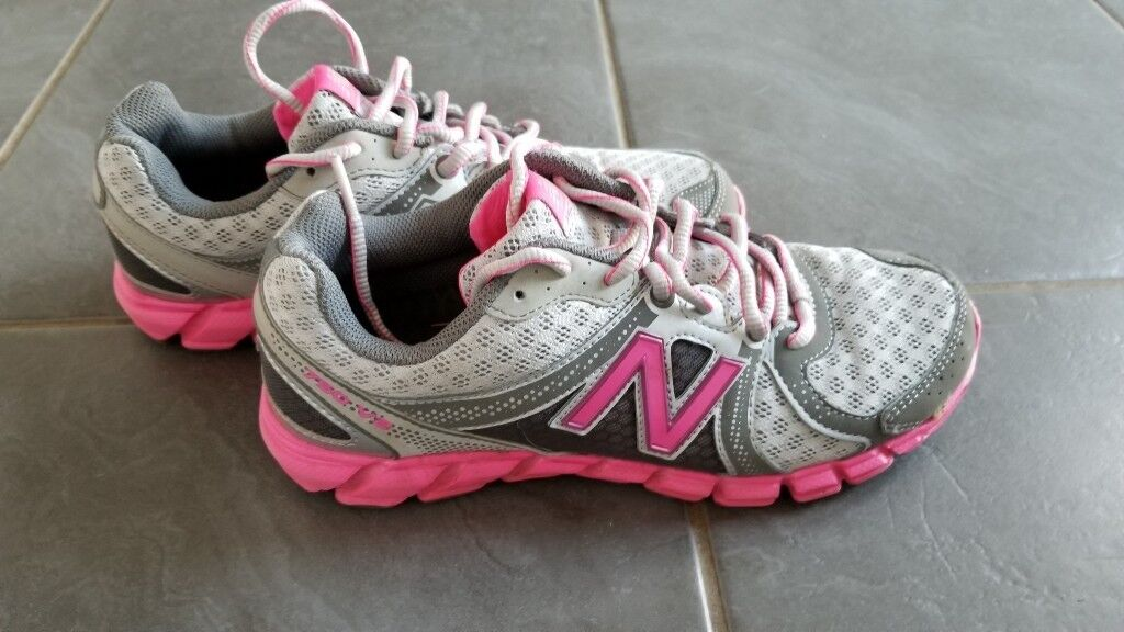new balance trainers size 4