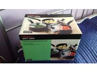 Set of three nonstick pots never been used