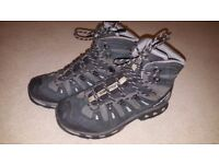 Salomon Quest 4D 2 GTX Hiking Boots - Size 9 - Very Clean - Like New - PRICE DROPPED TO £60 ONO