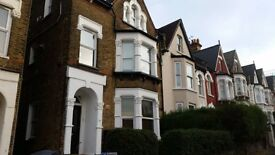 newly painted and carpeted 1 bedroom flat in Crouch End, 5 minutes walk from all transport links