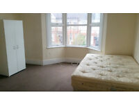 3bedroom flat to rent, close to station, from middle Feb.!