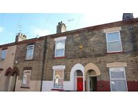 Spacious Property - 2 Bedrooms, Box Room & Loft Room - Division Rd £395 pcm