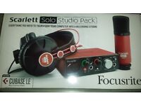 Scarlett Solo Studio Pack including Cubase LE with extra pop mic cover