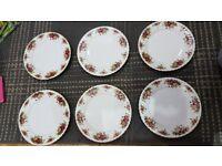 Lovely Royal Norfolk 12 piece dinnerware