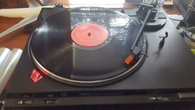 Technics Turntable & 2x Matching Technics MiniDisc Players with all cables.