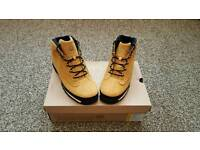 Timberland boots UK size 6 (mint condition)