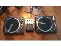 Numark TT1625 Deck's/Turntables with Numark DM950 Mixer. Very good condition.