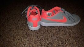 womens nike trainers size 4