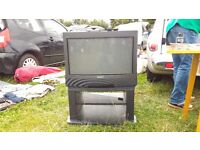 Old Sony TV with stand and freeview for £5