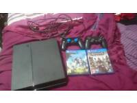 Ps4 with 2 games and 2 controllers
