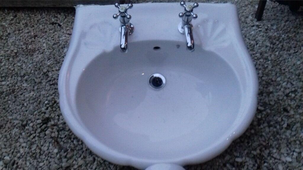 Bathroom Sinks Gumtree scalloped edge bathroom sink | in sinfin, derbyshire | gumtree