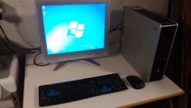 "HP Compaq DC7900 Desktop Bundle With Computer, Wireless Keyboard / Mouse and 17"" Monitor"