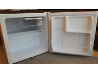 Work top fridge. Use only for one month. Ex office equipment.