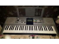 Yamaha PSR-E323 Digital Keyboard