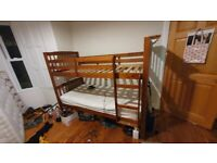 Bunk Bed / 2 Single Beds