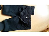 ZARA 4 PAIRS OF FITTED JEANS