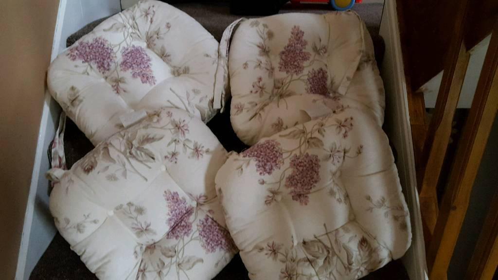 Beautiful chair cushions with ties BN