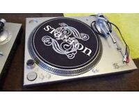 pair of stanton str8 60 direct drive dj turntables