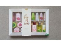 New Boots Gift Set rrp £30