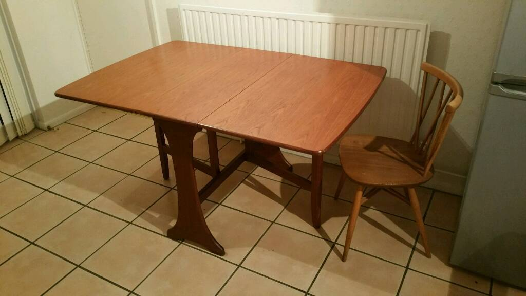 Large Gate Leaf Folding Table and Chair