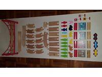 CAROUSEL WOODEN TRAIN SET 60 PIECES: TRAIN SET, BRIDGE ANIMALS .....£ 9.99 UNTIL TOMORROW
