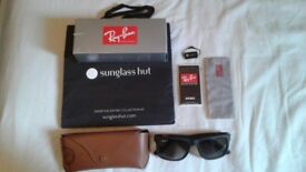 Brand New condition with the box Polarised Ray-Ban, Justin. Made in Italy