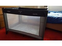 Travel cot in perfect condition