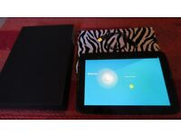 Samsung Google NEXUS 10. 16gb Tablet/Laptop. 2 Cases included. Good condition