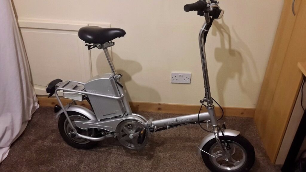Very Compact 24V Electric Folding bike,ideal for caravan or motorhome,charger,lights,topbox,key,lock