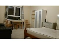 large bedroom(4.4x4m) available in broomhouse sighthill area close to Napier Heriot Watt University