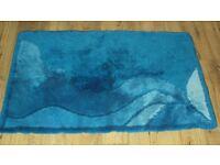 BLUE BATHROOM RUG