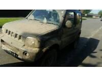 Suzuki jimny 4x4 off road on road